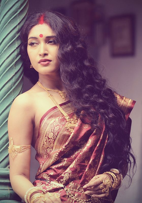 376 best Bride images on Pinterest | Indian, India fashion ...