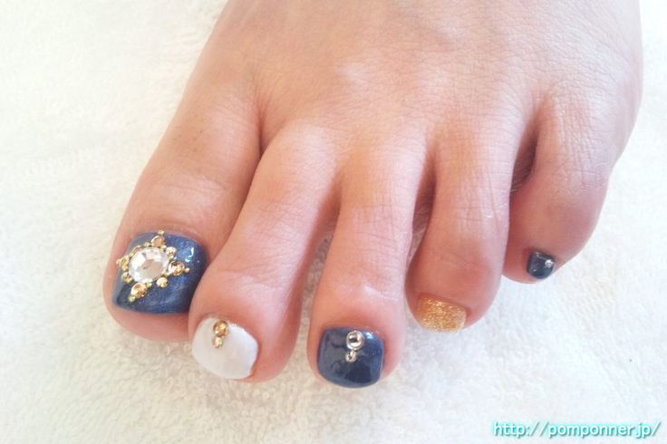 Nail Foot Blue, White, Gold