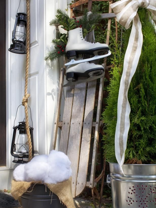 Outdoor Christmas Decorating Ideas : Decorating : HGTV