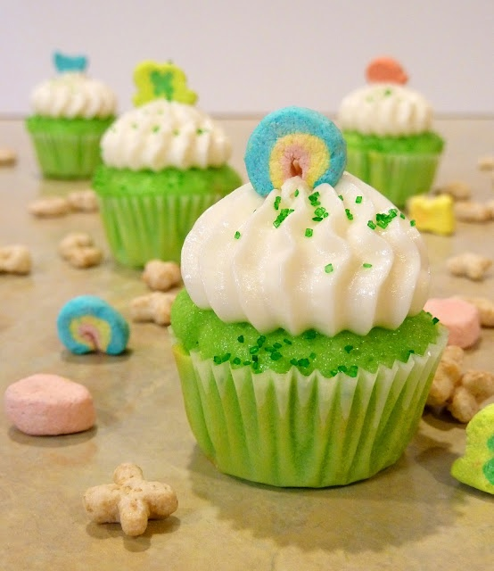 lucky charms cupcakes! | Cupcakes | Pinterest