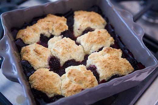 simple blackberry cobbler