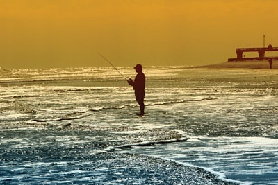Surf fishing in st augustine beach fl lets play outside for Deep sea fishing jacksonville fl