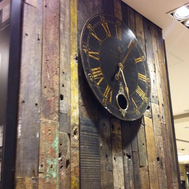 Mur de vieilles planches de bois jardin palette de bois for Vieille planche de bois