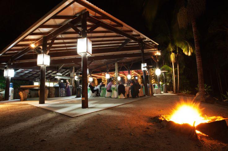 Backyard Bonfire Wedding : Outdoor Wedding Reception Bonfire