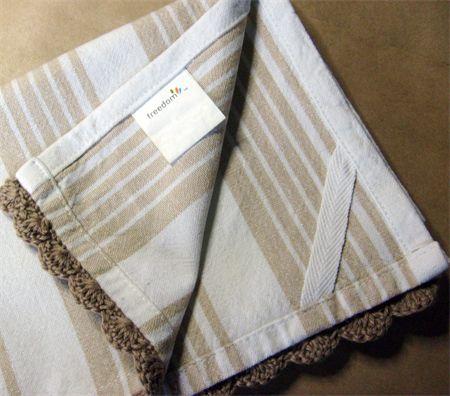 One Sheepish Girl | Adding a Crochet Edge to a Tea Towel