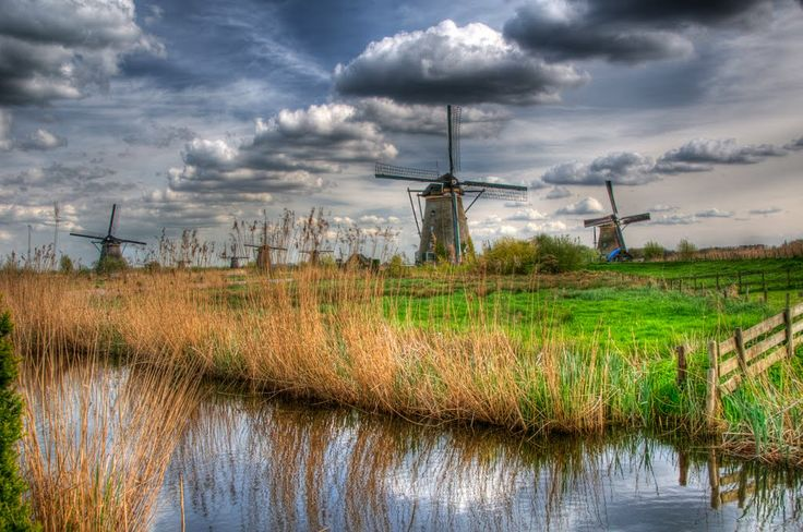 The famous 19 windmills which were used to drain the Alblasserwaard in ...