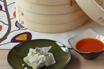 ... Sushi Day Buffalo Chicken Steamed Dumplings #sushiday #sushi #yum