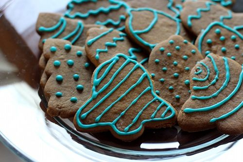 Soft and Spicy Gingerbread Cookies | EAT THIS | Pinterest