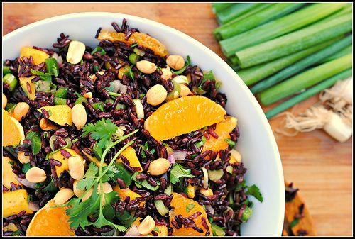 Black rice with mango and peanuts | Eat more Plants | Pinterest