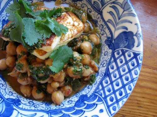 braised chickpeas with spinach, mint, haloumi & mojo verde