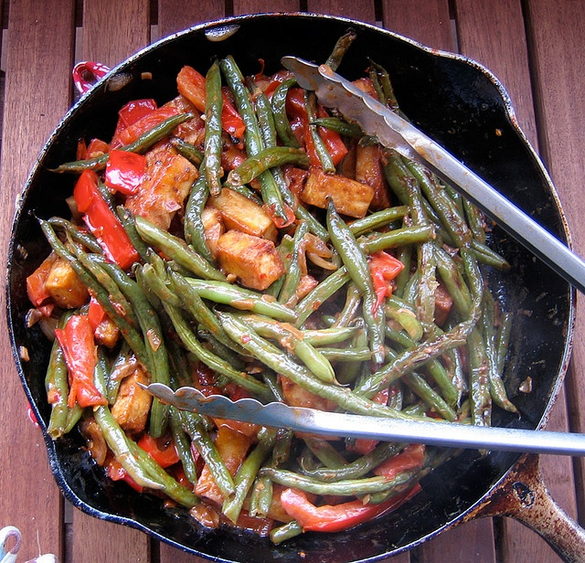 the secret of great tofu: green beans & tofu in a thai coconut sauce