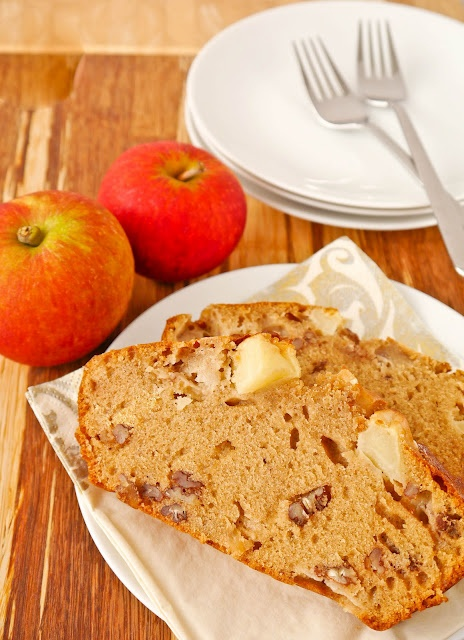 Apple and Gingerbread Pecan loaf cake | Cakes | Pinterest
