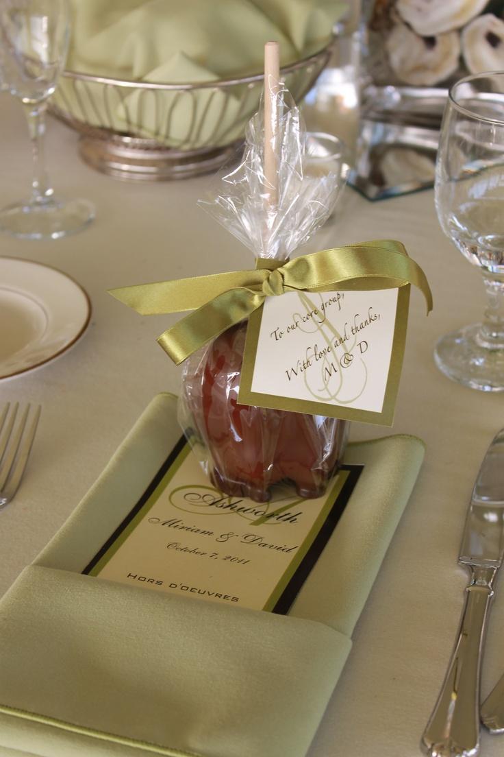 Candy Wedding Favor Ideas Pinterest : chocolate dipped apple wedding favor weddings Pinterest