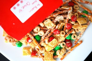 Reindeer Chow | I heart FOOD! | Pinterest