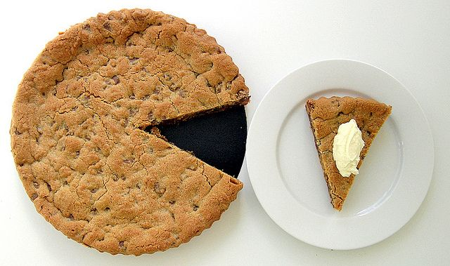 chocolate chip cookie tart | Cookies and Bars | Pinterest