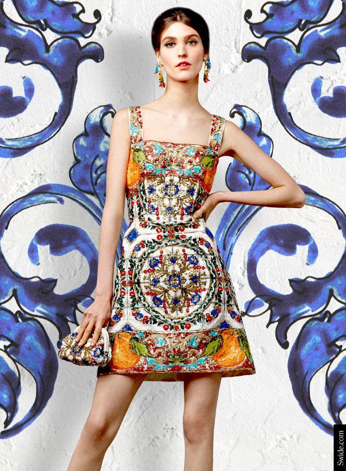 """Dolce &amp; Gabbana осень-зима 2014-15 майолики Print платья - майолика печати шелковой парчи мини-платье с пайетками приложений и сопоставления сцепления сумку.  <Р> < data-cke-saved-HREF =  цвет HREF =  цвет = """"# FFFFFF""""> в магазин все Dolce &amp; Gabbana майолики Платья НАЖМИТЕ ЗДЕСЬ.  </a>"""