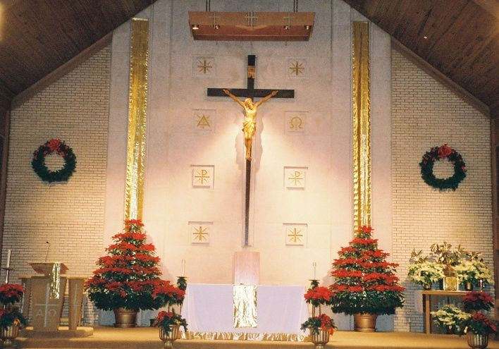church decorations for sanctuary | Christmas decorations prepared by ...