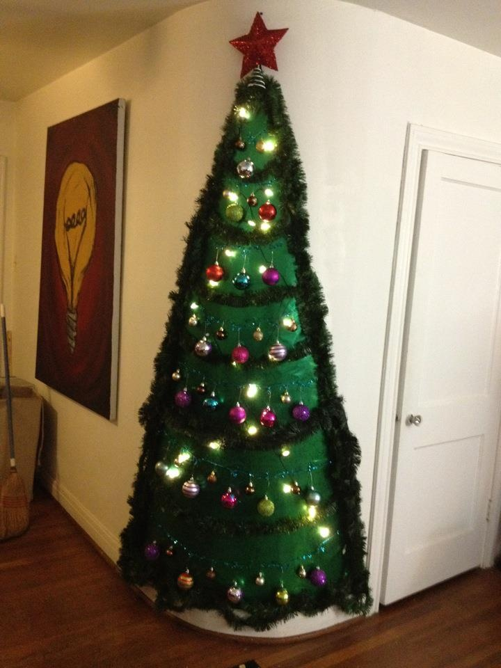 Taping Christmas Lights To Wall : Pin by Malarie Mosler on Christmas Pinterest