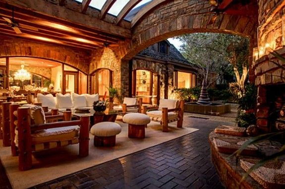 Outdoor Loggia I WANNA BE A MILLIONAIRE SO FREAKING