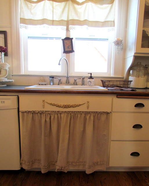 Skirted Sink Kitchen : sink skirt d?cor on the wood above the sink skirt