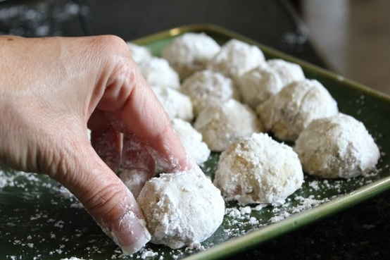 Christmas Snowball Cookies | Ah, the holidays. | Pinterest