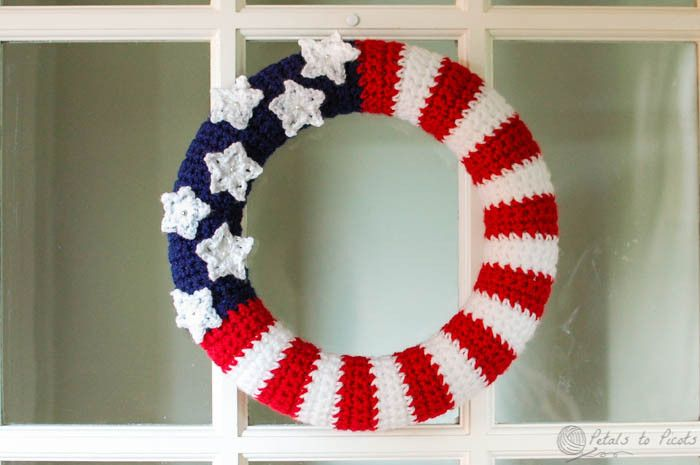 Crochet Pattern For Usa Flag : American Flag Wreath Crochet Pattern