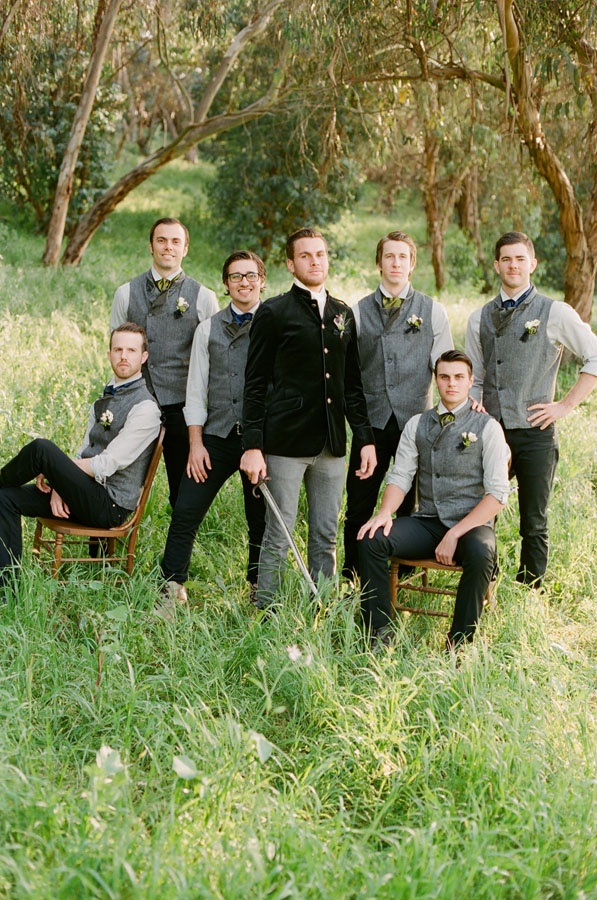 ... men - #groom #groomsmen #wedding Groom and groomsmen pose ideas