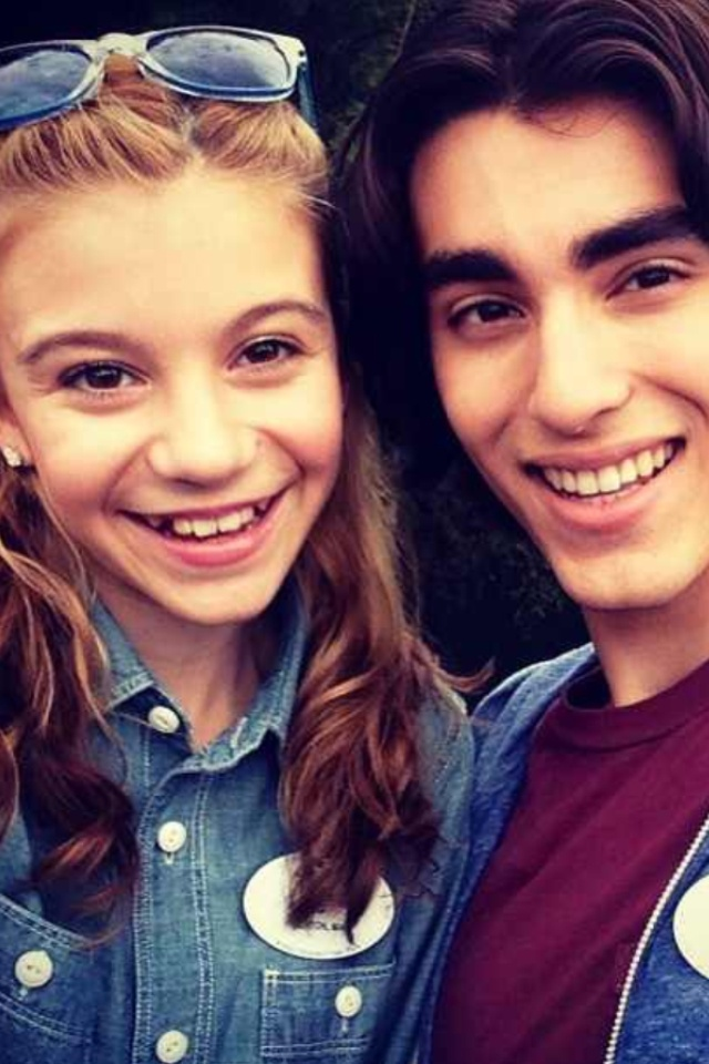 Hannelius And Blake Michael G hannelius   blake michaelG Hannelius And Blake Michael
