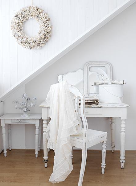 beautifull white