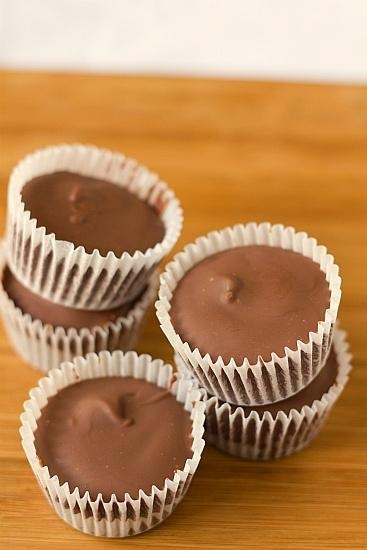 Homemade Reese's cups EASY. | I Like Food: Treats & Sweets Edition …