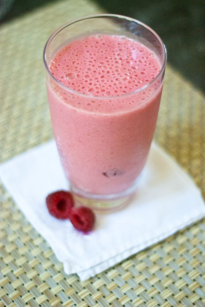 Raspberry Banana Smoothie | Food I can only dream about... | Pinterest
