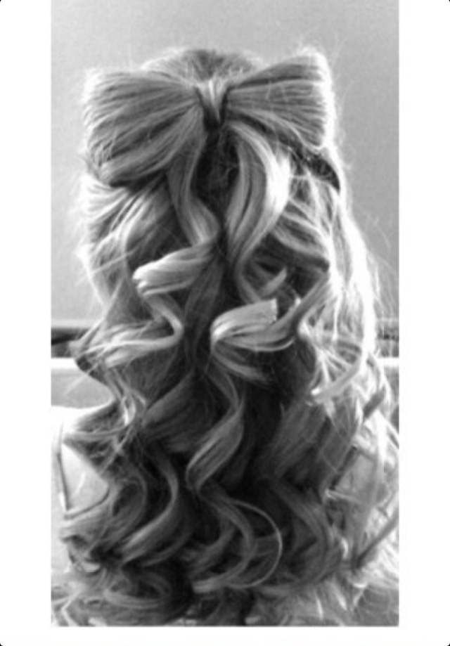 hair bows in curly hair - photo #3