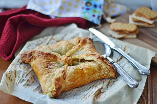 Creamy Baked Brie with Sauteed Mushrooms and Onions wrapped in a Puff ...