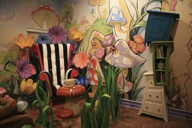 Alice in wonderland room home sweet home pinterest for Alice in wonderland kids room