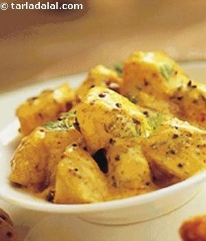 Potatoes with yogurt sauce. Yummy!! | Home Theater | Pinterest