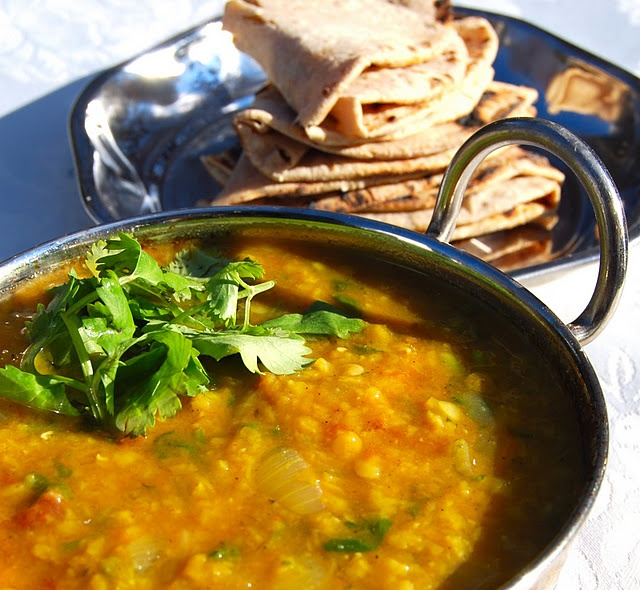 Vegan Tomato Dal with Phulkas.