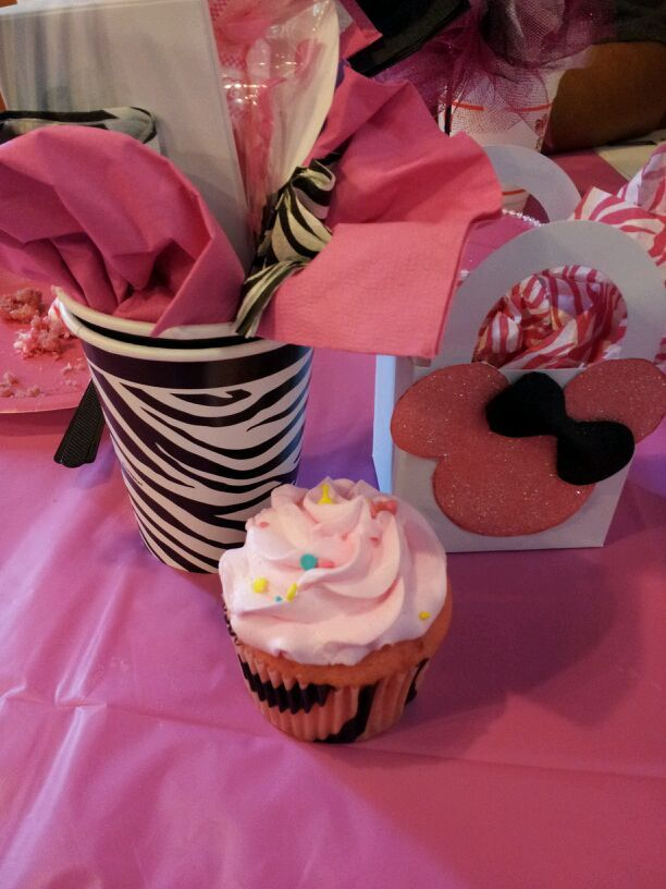 Minnie Mouse Baby Shower Decorations | Tickled Pink