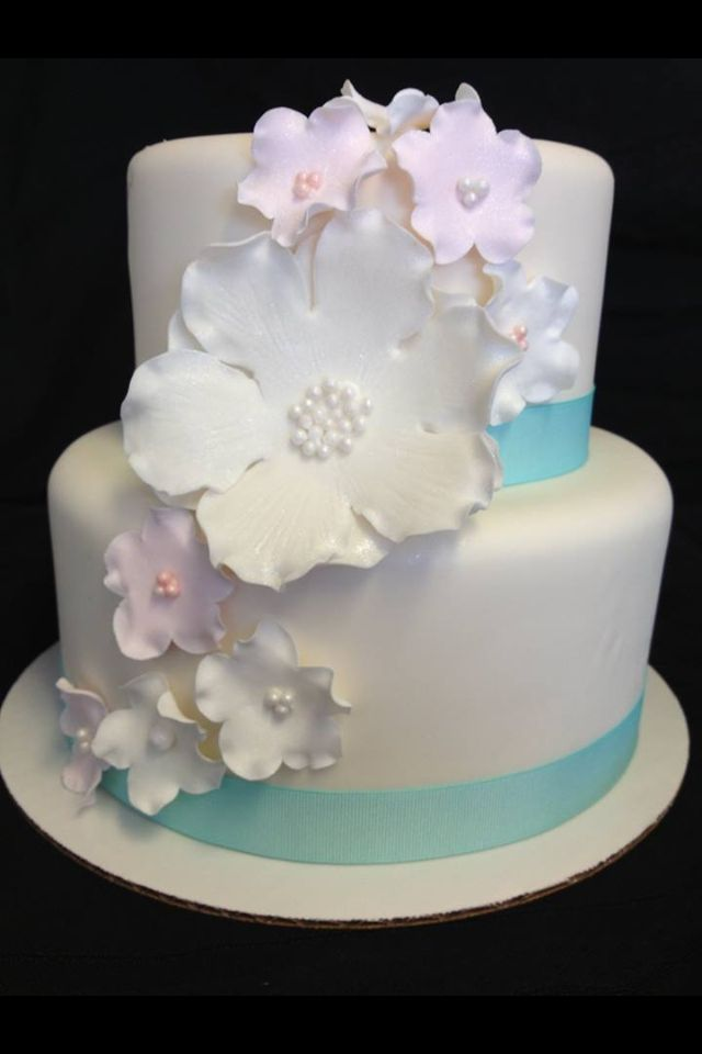 Simple Gumpaste Flower Wedding Cake