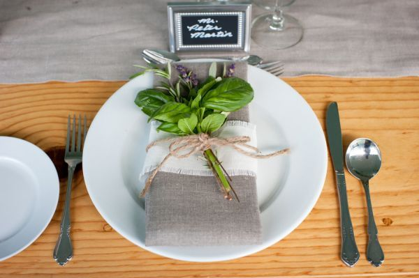 burlap napkin + herbs tied + chalkboard name plate