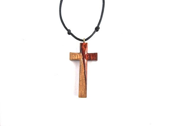 Vintage Tone Wooden Christian Cross Necklace Stock Foto