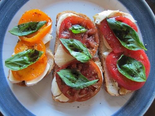 Tomato, bread and mozzarella tartines | Someone's in the kitchen | Pi ...