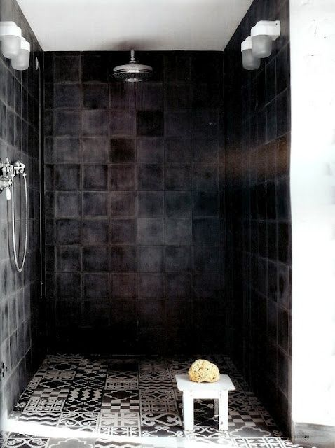 Travertin In De Badkamer ~ Badkamer zwarte tegels 10 tegels per doosje 0,4m2 bij 4m2 heb je al