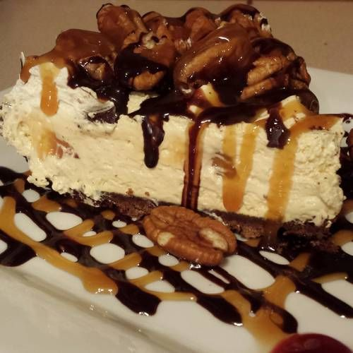 Cool Chocolate Turtle Cheesecake | recipes | Pinterest