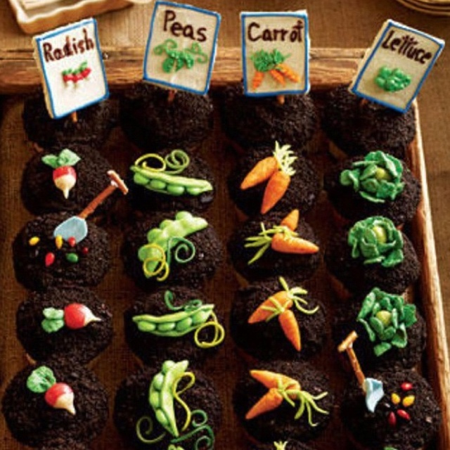 Veggie patch nice cakes pinterest for Vegetable patch ideas