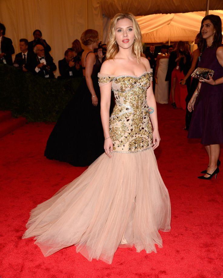 Scarlett Johansson in Dolce & Gabbana #MetGala
