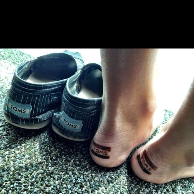 Toms tattoo sooooo want to do this!