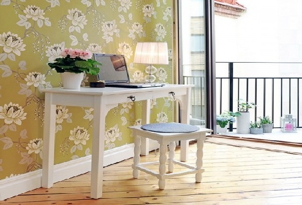 floral desk wall