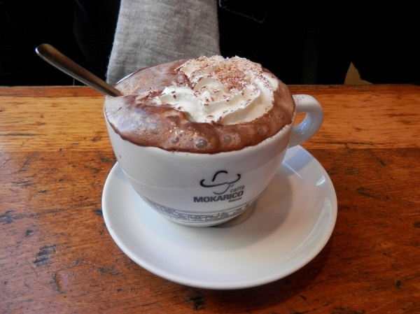 Thick and creamy Italian Hot Chocolate, its practically pudding!!