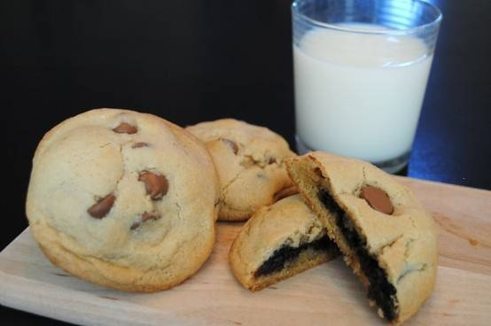 BROWNIE STUFFED CHOCOLATE CHIP COOKIES. This exists. Life is good.