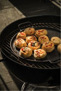 Grilled BLT Pizza Pinwheels. | Yummies | Pinterest